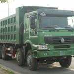 Cách vệ sinh xe tải Howo nhanh chóng, sạch sẽ